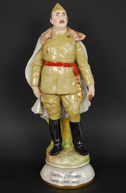 """Porcelana de Franco de la Casa """"Sureda"""" de 28 cm"""